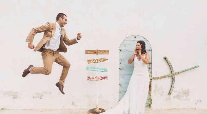 Unos novios durante una sesión fotográfica de boda. Muchigraphy — Juan Francisco Tur Riera