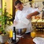 Ibiza Therapy. The Therapy Michelin Star Chef preparando un 'sorbet' de naranja.