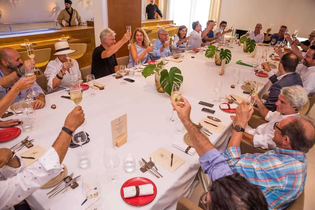 Almuerzo de los académicos durante la asamblea constitutiva de la Academia de Ibiza y Formentera. foto: Juan Suárez