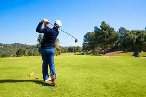 El renovado Golf Ibiza by azuLinehotels ofrece un recorrido de 18 hoyos y otro de 9 hoyos. Los beneficios del golf. Golf Ibiza.