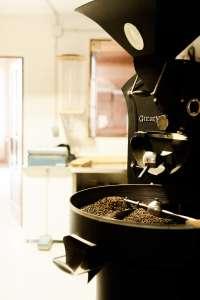 No solo producen café, sino que se dedican a catar, seleccionar y comprar los mejores granos.