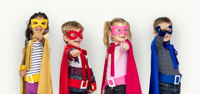Los pequeños liberan emociones y crean historias a través de los personajes que emulan. Disfraces infantiles