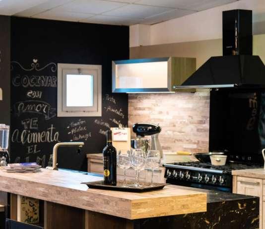 C.B. Electric garantiza un resultado óptimo en la instalación de cocinas. Fotos: Sergio G. Cañizares