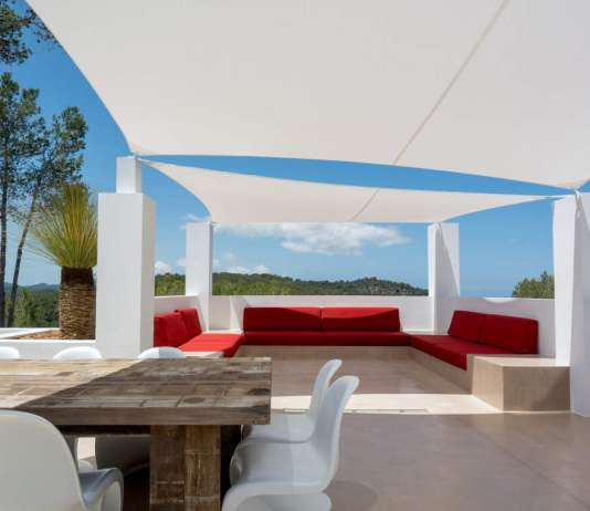 MORTEX y BEALSTONE. Espacios vanguardistas en el interior y el exterior de la vivienda con Ibiza House Renovation. foto:Dominique Chaudron