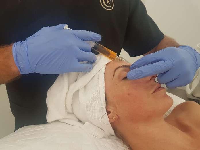 Comenzar a tratar la piel a edad temprana reducirá la necesidad de otros cuidados en el futuro.