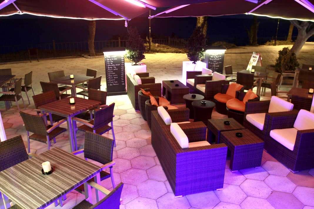 La terraza 'lounge', situada en el paseo de ses Figueretes.