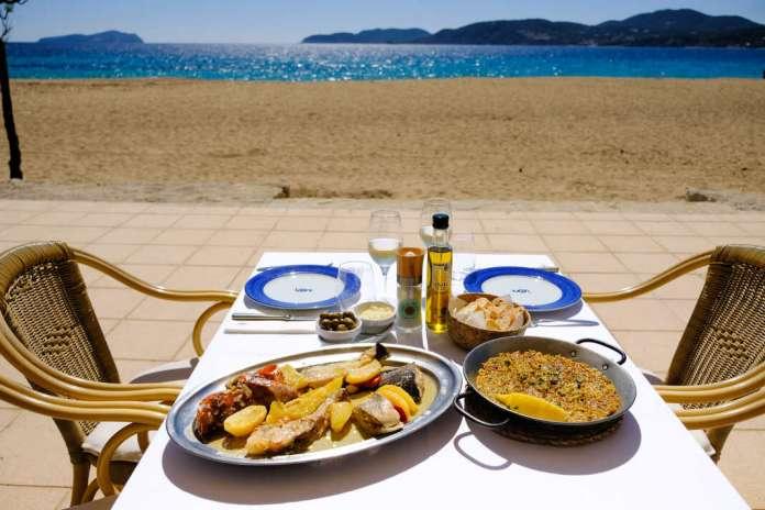 Tradición ibicenca directa a la mesa en Can Gat, en la Cala Sant Vicent. Foto: Sergio G. Cañizares