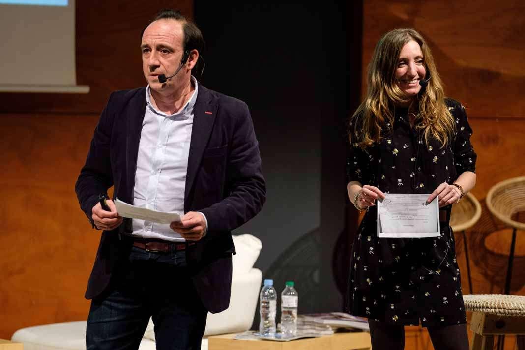 Mujeres triunfadoras en eWoman Ibiza 2018. Alfredo Julià y Usoa Arregui durante su intervención en el Club Diario de Ibiza.