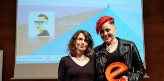 Cristina Martín fue la encargada de entregar el premio a la fundadora de Mathiss, Ana Sánchez.