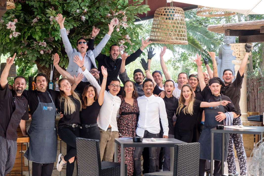 El equipo de Cas Costas, de enhorabuena en este segundo aniversario. Fotos: Sergio G. Cañizares