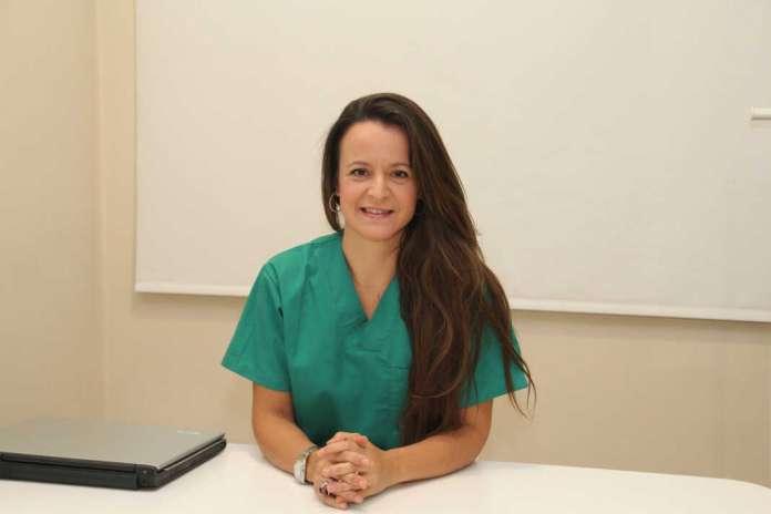La doctora Ainhoa Placer vuelve a Ibiza tras una extensa trayectoria fuera de la isla.
