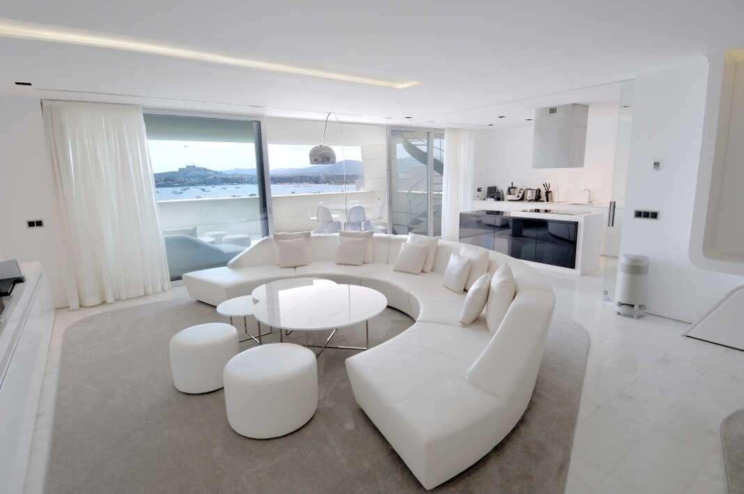 Diseño y vanguardia se dan la mano en el interior de la vivienda.
