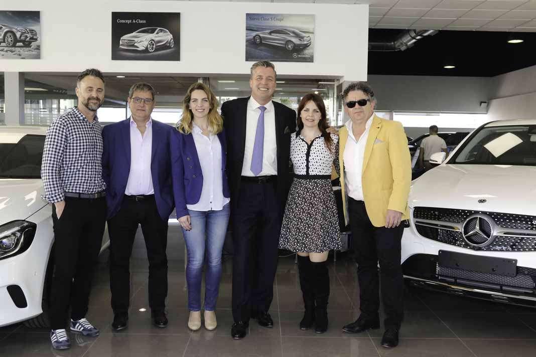 El equipo de Terrenauto, Peri Ortiz, Jordi Peña, Ana Ferrer, Roland Schell, Laura y Toni Ferrer en Terrenauto.