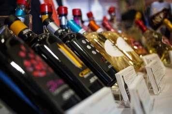 Durante el evento se pudieron degustar un centenar de vinos distintos.