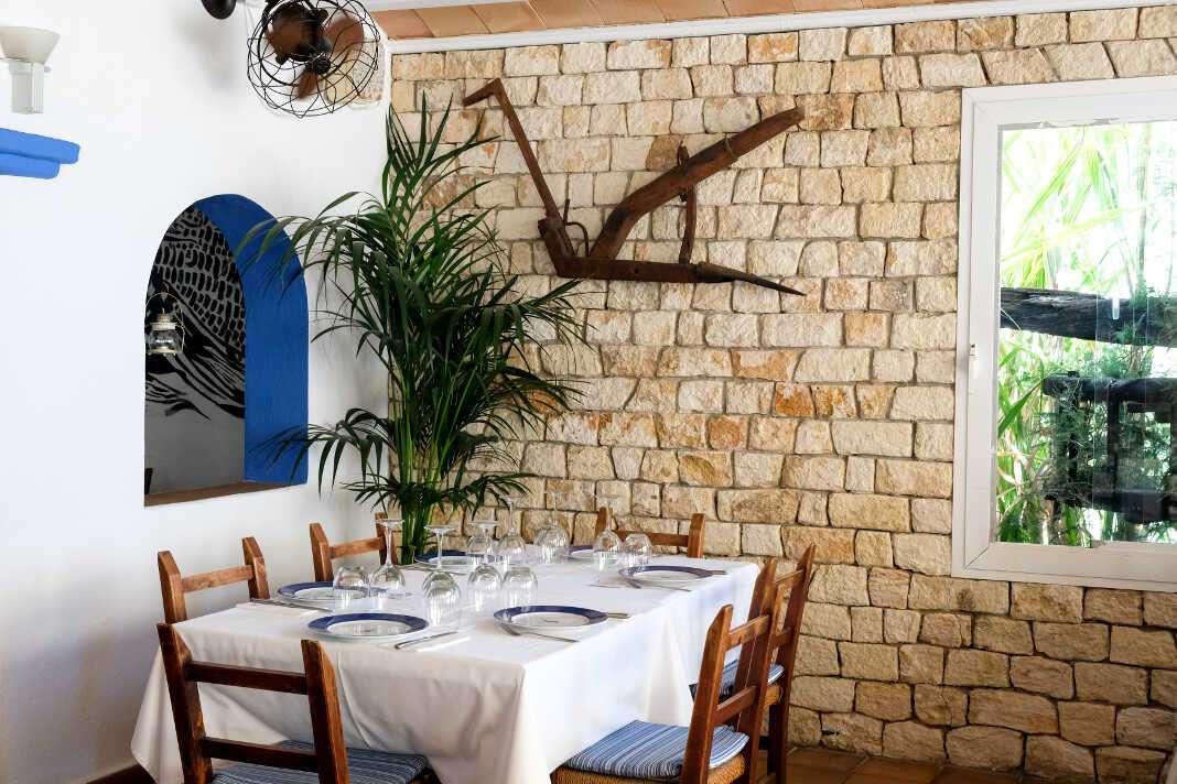 Un restaurante tradicional ubicado en la Cala Sant Vicent.