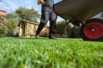Los efectos que se obtienen al dedicarle un poco de tiempo al mantenimiento del jardín son asombrosos.