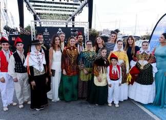 Promoción de la Pasarela Adlib. El grupo folclórico de ball pagés que actuó en el desfile.