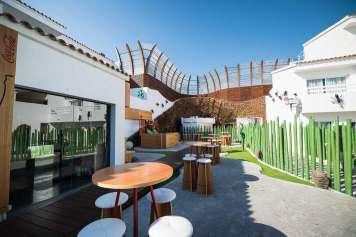 Minami se encuentra en Ushuaïa Ibiza Beach Hotel.