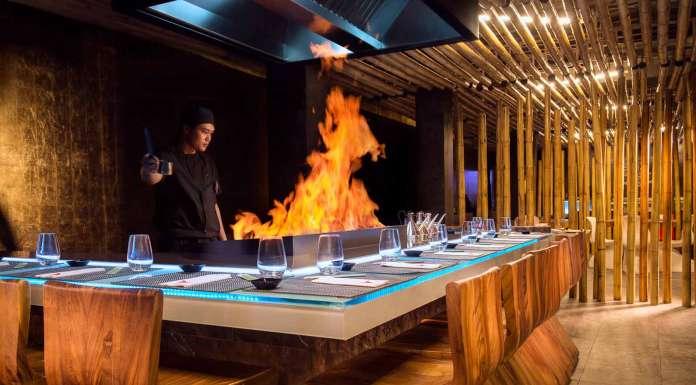 'Shows' gastronómicos en la barra de Minami Japanese Restaurant.