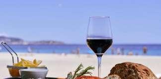 Variedad gastronómica a la italiana con vistas al Mediterráneo. fotos: Sir Rocco Beach Restaurant by Ushuaïa