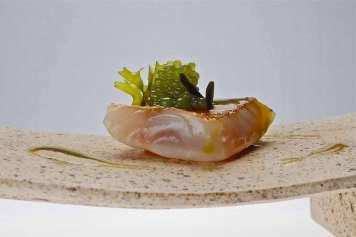 'Salmonete y algas', el plato que Paco Pérez elaboró en el evento.