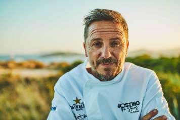 Samuel G. Galdón, chef ejecutivo de Destino Pacha Resort, sabe lo importante que es dar un buen servicio para garantizar la mejor experiencia.