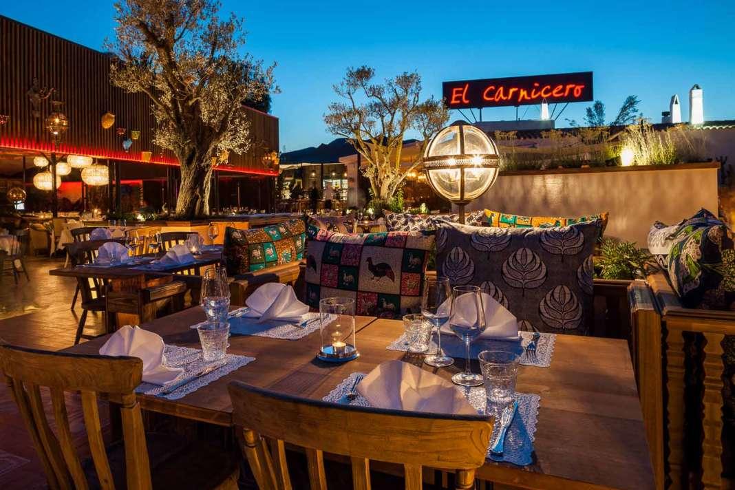 Restaurante el Carnicero. Un amplio espacio acogedor con diferentes ambientes.