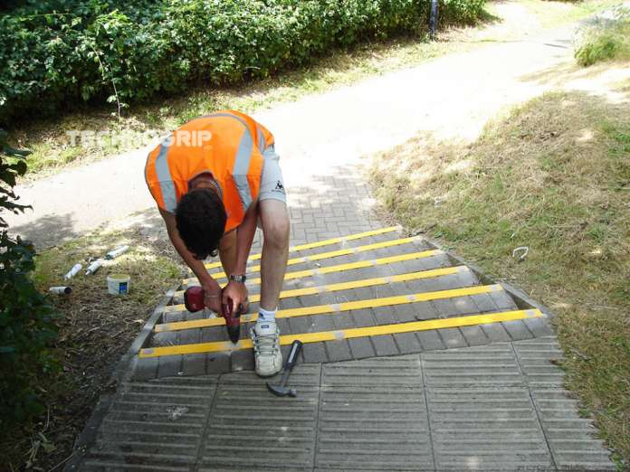 Technogrip ofrece soluciones antidslizantes para todo tipo de suelos y pavimentos.