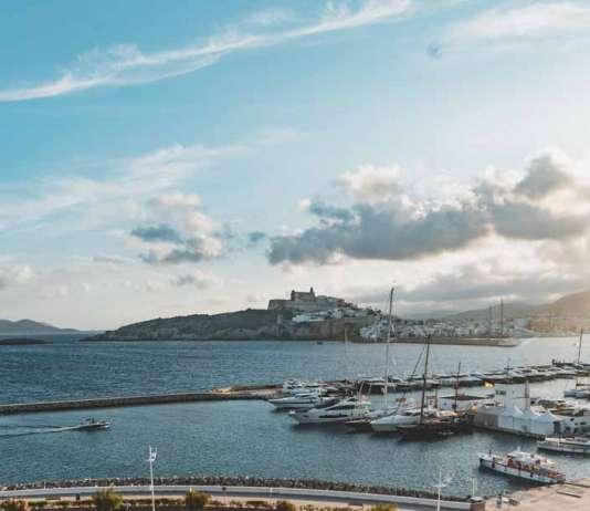Ibiza Corso Hotel Spa. Espectaculares vistas sobre el puerto de Ibiza desde la terraza.