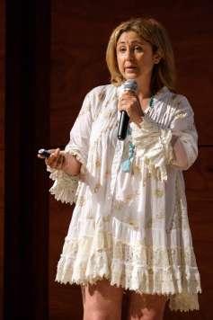 Marta Esteban presentó el evento.