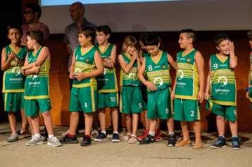 Sokhrates patrocina el equipo de baloncesto de S'Olivera.