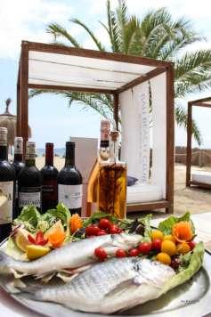 Bali Beach Club Ibiza ofrece una buena selección de vinos. bali beach club ibiza