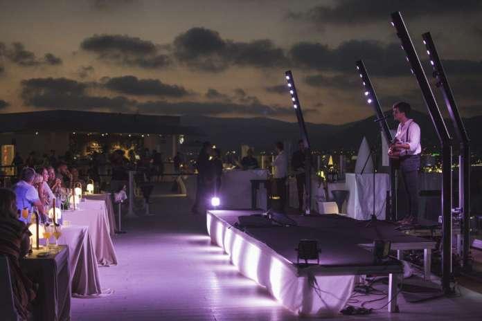 Su 'Sky lounge', The Ninth, acoge 'In Heaven' una experiencia multisensorial que fusiona sonidos y una exclusiva gastronomía. fotos: hard rock hotel ibiza
