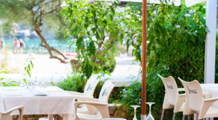 Restaurante 2000, tranquilidad gastronómica en la playa de Benirràs.