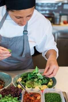 Hoteles y restaurantes de la isla ofrecen paquetes de bienestar y gastronomía.