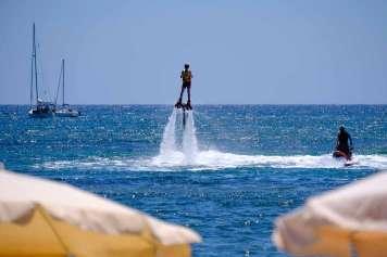 Fly board, un deporte para los más atrevidos.