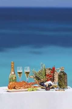 Champagnes, langosta, hierbas, frutos secos, verduras y licores se dan la mano en las propuestas gastronómicas. Aisha Bonet