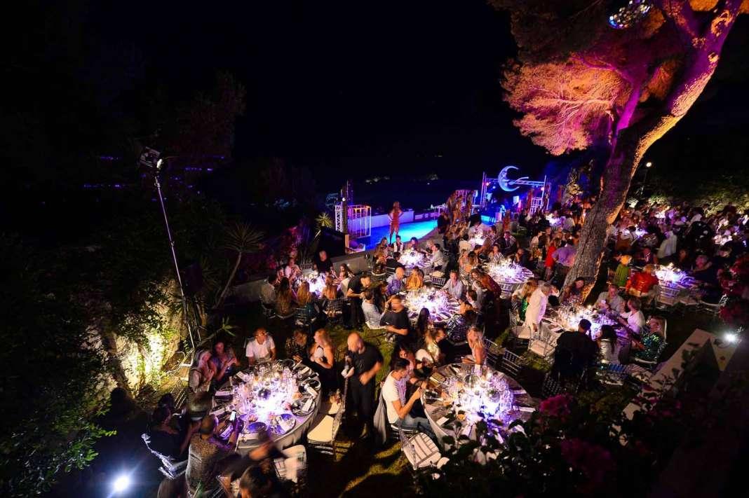 Panorámica de la terraza principal de la casa convertida en un lujoso restaurante. fotos: Stephano Tovatti