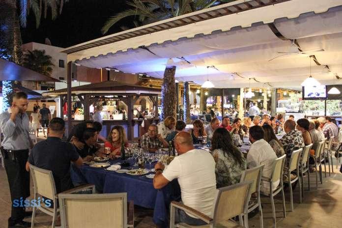 mesas para grupos grandes en Ibiza