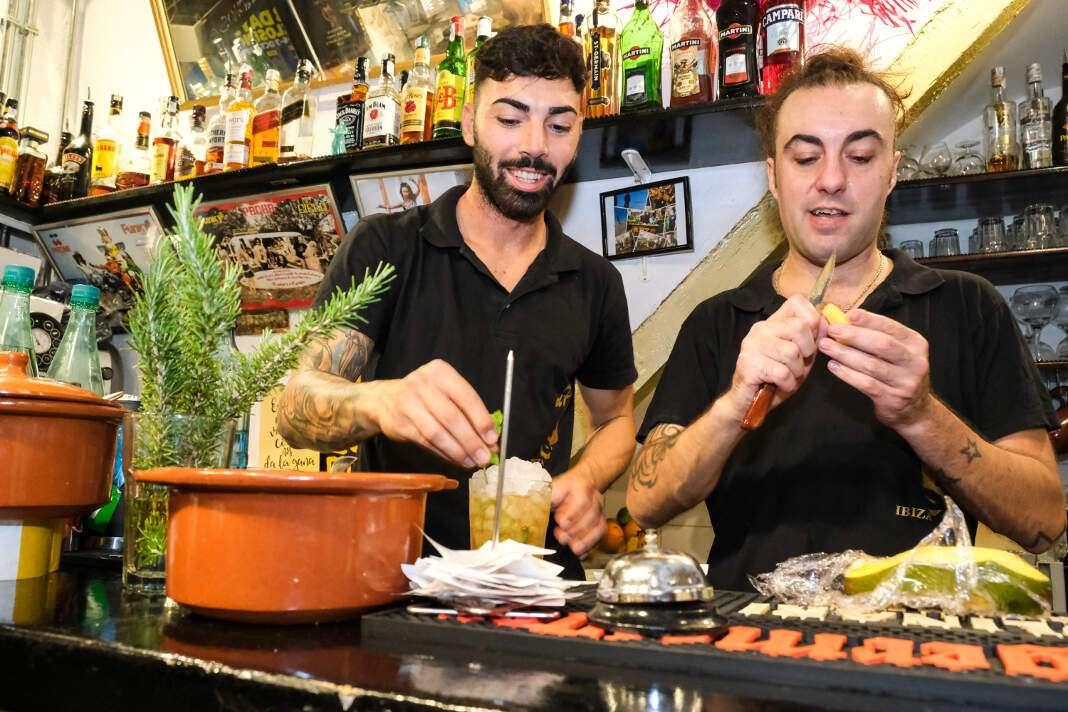 Los afortunados que se acercaron a El Pirata Ibiza Puerto pudieron disfrutar de los ya conocidos cócteles.