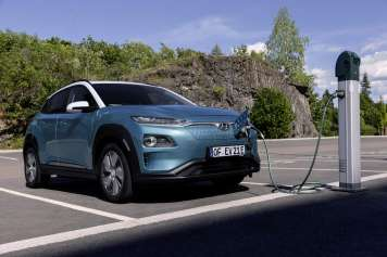Con el nuevo Kona, Hyundai lanza su primer SUV en segmento subcompacto 100% eléctrico.