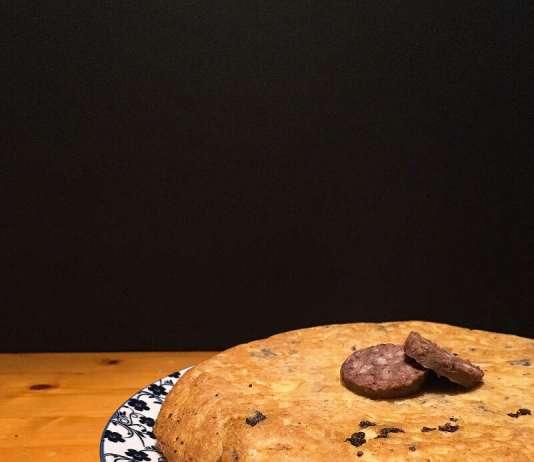 Tortilla de patatas y botifarró negre. Foto: @puredepalabras
