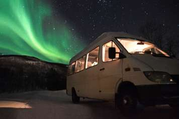 Imagen de una aurora boreal cazada por Felipe Planells durante uno de sus viajes.